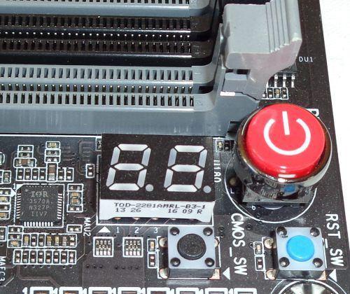 Gigabyte_Z97X_Gaming_G1_Wifi_BK_boutons_power_reset_cmos