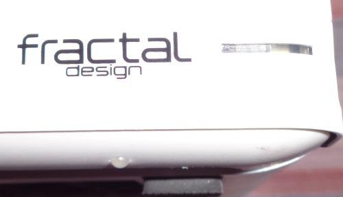 Fractal_Design_node_304_presentation_facade3