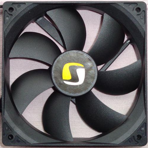 SilentiumPC_he1224_v2_ventilateur_devant