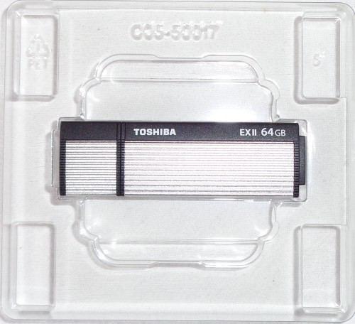 Toshiba_TransMemory_ExII_64GB_boite3