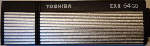 Toshiba_TransMemory_ExII_64GB_devant