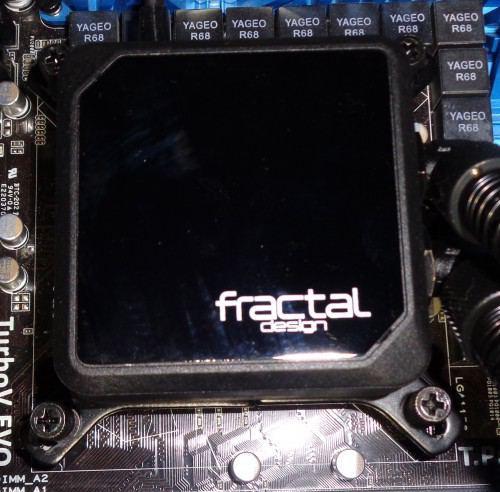 Fractal_Design_Kelvin_S36_montage11