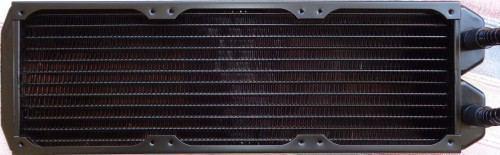 Fractal_Design_Kelvin_S36_radiateur