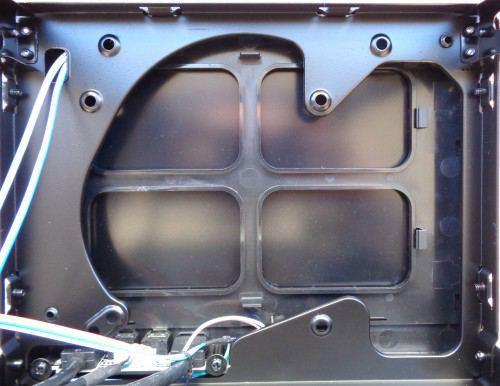 Silverstone_Sugo13Q_interieur_emplacement_ventilateurs