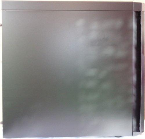 Corsair_Carbide_330R_cote