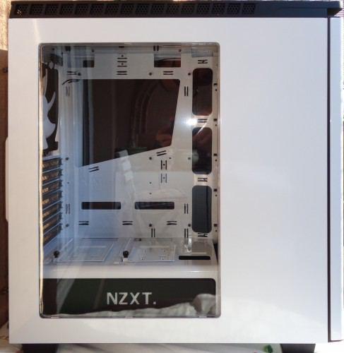 NZXT_H440_exterieur_cote1