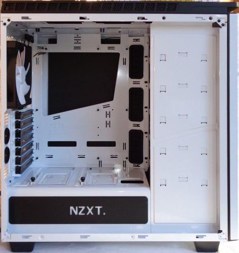NZXT_H440_interieur_