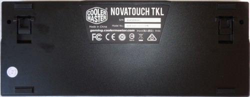 Cooler_Master_Novatouch_TKL_dessous