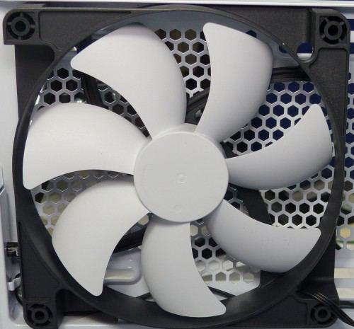 NZXT_Noctis_450_interieur_ventilateur_arriere