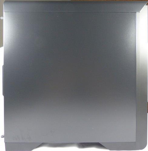 SilentiumPC_Gladius_M35_pure_black_exterieur_cote