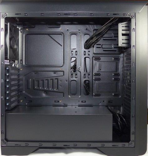 SilentiumPC_Gladius_M35_pure_black_interieur