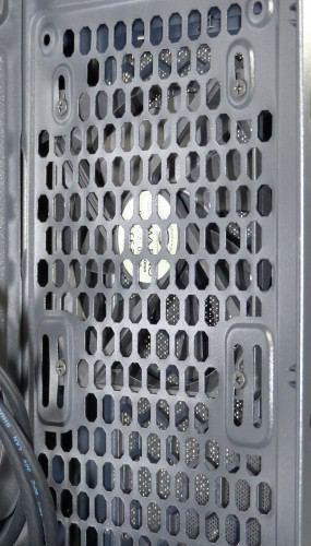 SilentiumPC_Gladius_M35_pure_black_interieur_ventilateur_avant