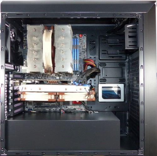 SilentiumPC_Gladius_M35_pure_black_montee