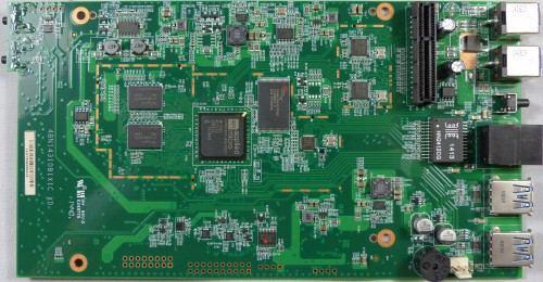 Thecus_N4310_exterieur_PCB1