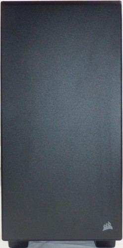 Corsair_carbide_400Q_exterieur_facade1