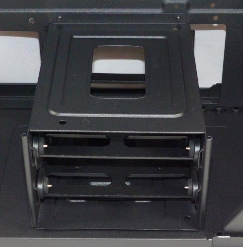 Corsair_carbide_400Q_interieur_cage_disques