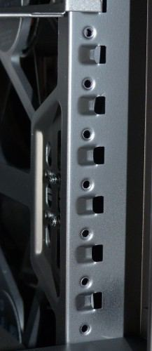 Cooler_Master_Mastercase_Pro_5_interieur_cage_hdd3