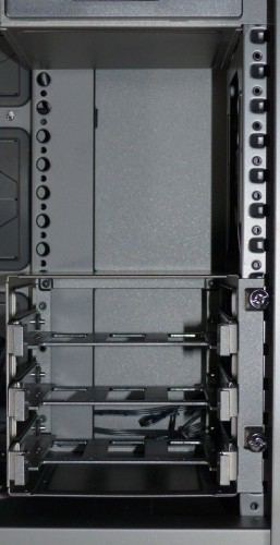 Cooler_Master_Mastercase_Pro_5_interieur_cage_hdd4