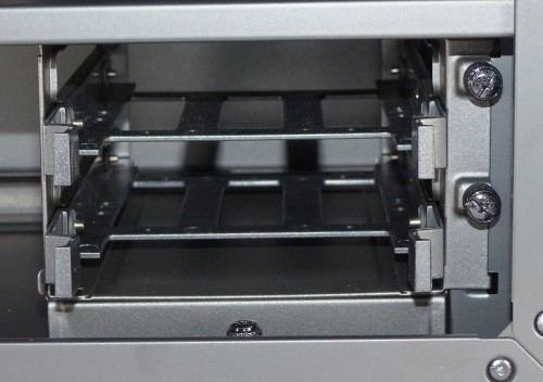 Cooler_Master_Mastercase_Pro_5_interieur_cage_hdd6