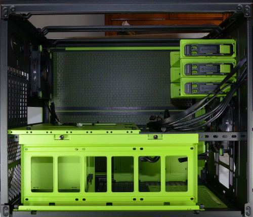 Thermaltake_Core_X5_Riing_Edition_interieur_cote1