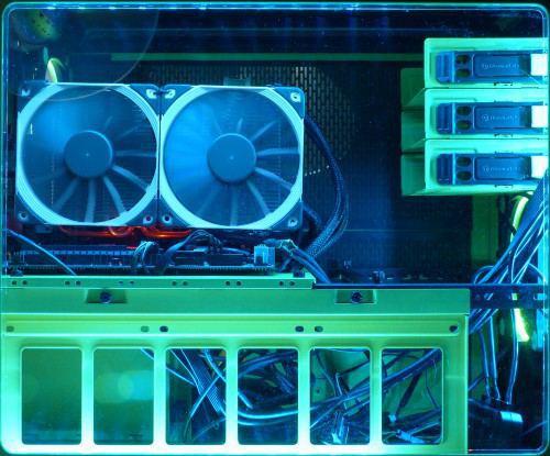 Thermaltake_Lumicolor_256_LED2