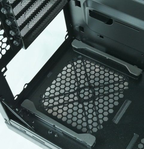 Antec_P9_Window_interieur_alimentation
