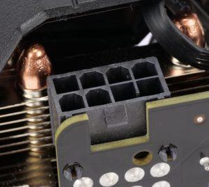 Gainward GTX 1660 Super Pegasus OC connecteur 8-pin alimentation