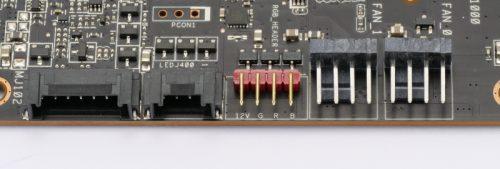 Asus ROG Strix RX 5600 XT OC connecteurs RGB et ventilateurs