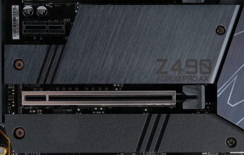 Gigabyte Z490 Aorus Pro AX port M2 avec radiateur