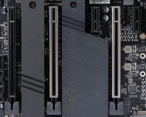 Gigabyte Z490 Aorus Pro AX slots PCIe