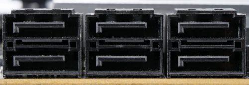 Gigabyte Z490 Aorus Pro AX ports SATA