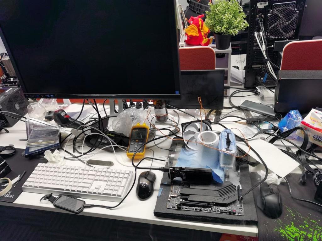 Overclocking LN2 Crucial Ballistix à 7 GHz